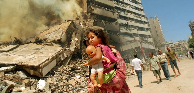 Girl in Beirut, destruction